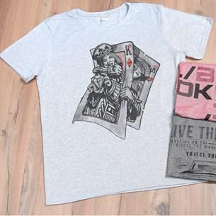 Camiseta Malha Mescla G   Cartas - Due